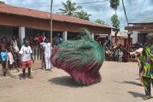 IMG_3806 Bénin - Ketonou (Zangbeto dans la Cour du Palais)