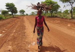 Tourisme solidaire Bénin - Cuiseurs économes en bois