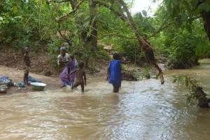 Voyage au Bénin - Jeux simples chez les Peulhs