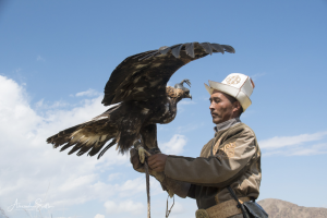 tourisme solidaire Kirghizstan - chasse à l'aigle- voyage solidaire Kirghizstan