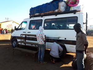 voyage solidaire à Madagascar - taxi brousse
