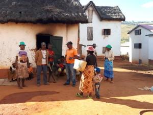 voyage à Madagascar - maison préparation du repas à Isorana