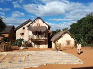 Tourisme solidaire à Madagascar - Habitat typique Isorana