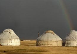 Tourisme équitable Kirghizstan - ARc en ciel au Song Kol