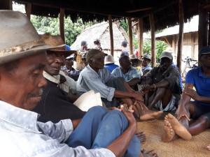 tourisme équitable à Madagascar - lieu de réunion des hommes du village