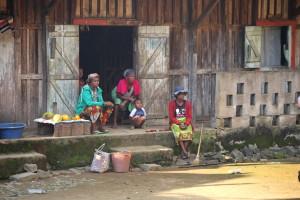 Tourisme solidaire Madagascar - passage du train
